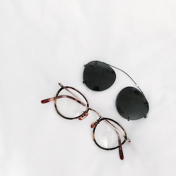 5d98e123ddb ... Oliver Peoples