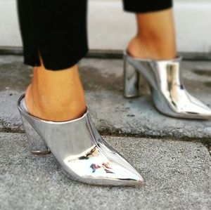 🆕//The Atomic Blonde// Silver metallic Mule