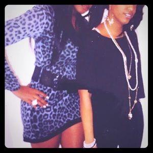 Dresses & Skirts - Leopard dress