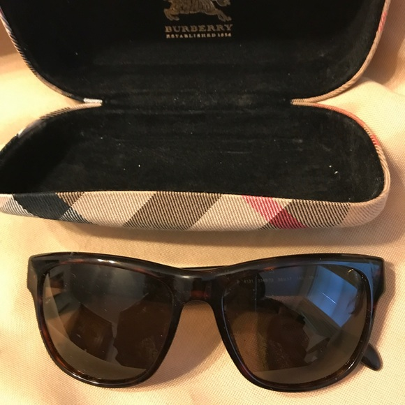 8fea184bc844 Burberry Accessories - Burberry Unisex. Sunglasses