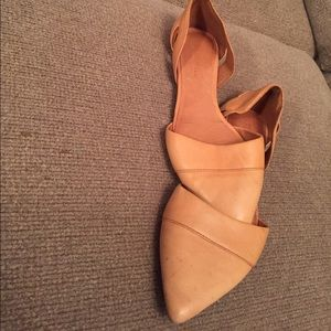 Madewell beige leather flat
