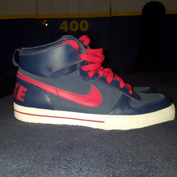 4dddf202f Old School High Top Nike Sneakers. M 597bf9b75c12f8c01c052023