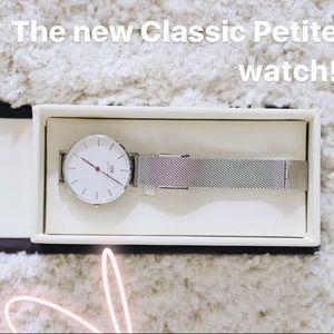 Daniel Wellington Petite classic silver watch