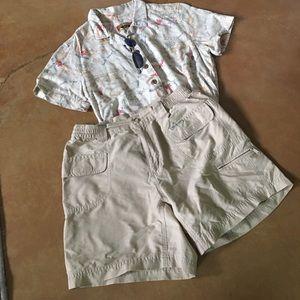 Colombia lightweight khaki shorts, size S