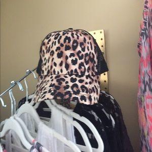 Accessories - Leopard Cap