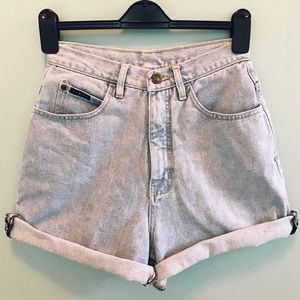 Vintage High Waisted Light Wash Jean Shorts