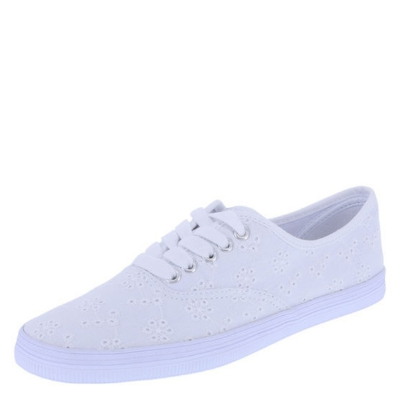 41b01a3ca892bc M 597cc93eea3f36dde10750d0. Other Shoes you may like. American Eagle canvas  tennis shoe
