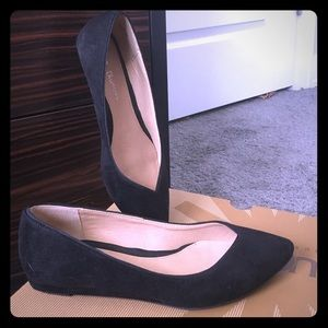 Chinese Laundry suede flats Black