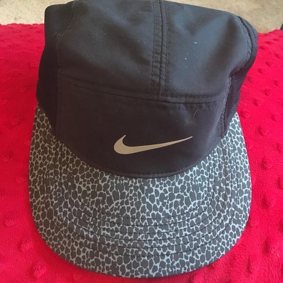 2b64dff66f739 Nike AW84 Dri-Fit Hat. M 597cf2dbb4188e992307ea2e