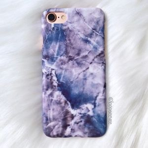 Accessories - Blue marble iPhone 7 case