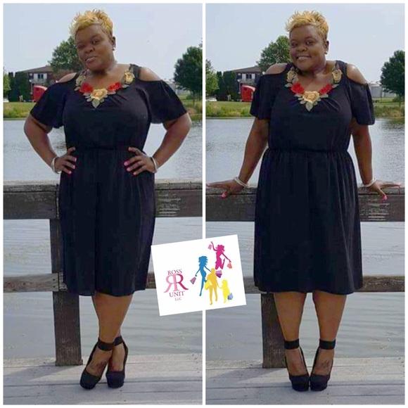 Dresses & Skirts - Daphne Cold Shoulder Tunic Dress