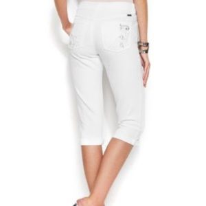 INC Curvy-Fit Embroidered Capri Jeans