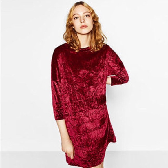 0b7fee77 Crushed Red Velvet Midi Dress. M_59c3991ad14d7bc48b004885