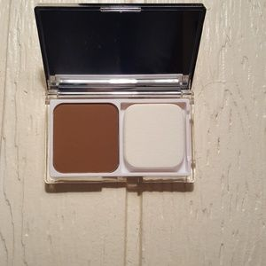 Clinique Powder Foundation, 28 Clove (D-P)