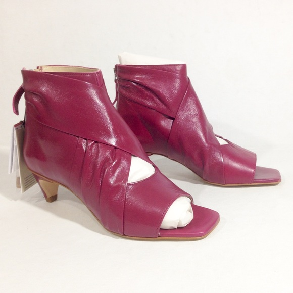 fcb05098711 ZARA STRAWBERRY OPEN TOE ANKLE BOOTIES