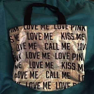 Large tote cloth bag. Great condition!