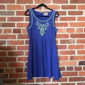 Dresses & Skirts - Embroidered front back zip dress