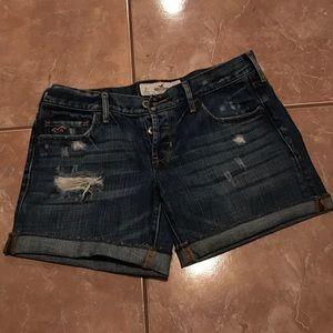 Distressed Hollister jean short