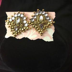 Jewelry - Gold Statement earrings