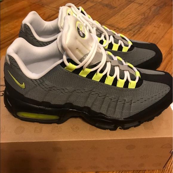 buy popular b51a7 0d5b3 Nike Air Max 95 EM Cool Grey Volt Black Men s 10.5.  M 597d68879c6fcf805c0a1b46