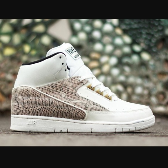 c16d1d9aa07d NWOB Men s - Nike Air Python Sneakers