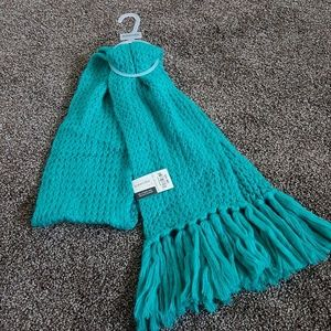 NWT! St John's Bay Turquoise Knitted Scarf