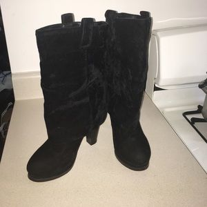 Shoes - Gorgeous and comfortable Faux suede heeled boots
