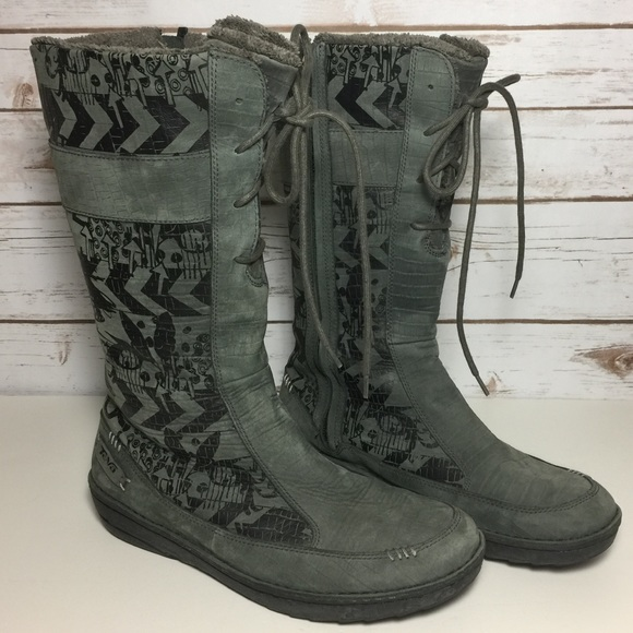 11ad79f5195473 TEVA Kiru Leather Graphic Boots in Beluga Grey 10.  M 597de4e0a88e7d3a210af39d
