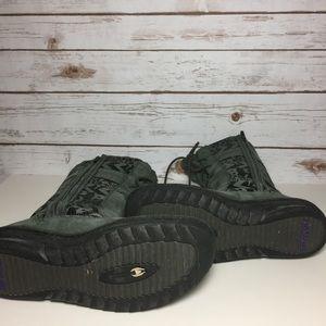 401ab222ddf020 Teva Shoes - TEVA Kiru Leather Graphic Boots in Beluga Grey 10