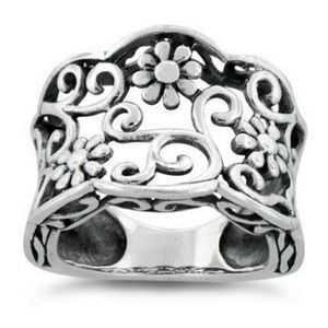 Jewelry - Sterling Silver Floral Design Ring