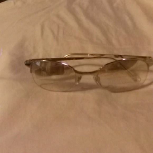 NINE WEST CLEAR SUNGLASSES 100 % UV PROTECTION
