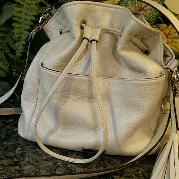 Coach Bags   Hp Leather Bucket Bag   Poshmark d59308cea7