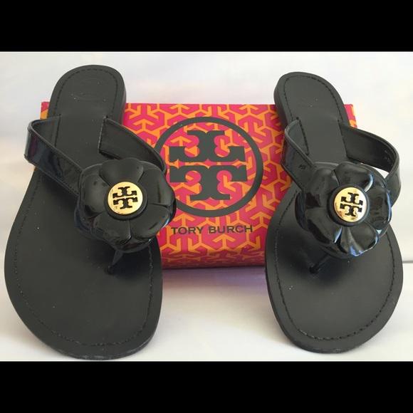 d41eb8ee092c Tory Burch black patent Breely thong sandals. M 597e20dc56b2d67d370b9d71