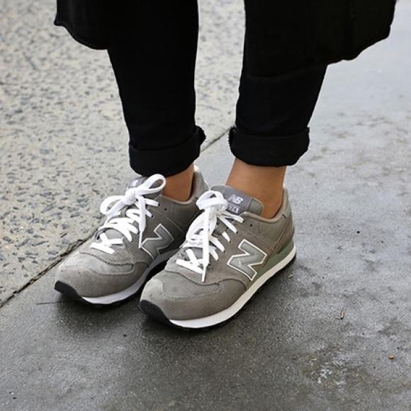 rencontrer 0b093 e3387 New Balance 420 70s Running Sneakers