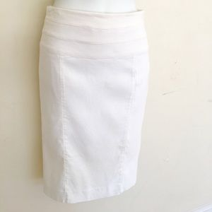 Bebe Italian linen stretch white skirt