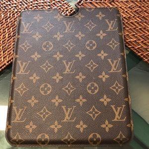 finest selection e2be1 9bc2a Louis Vuitton iPad case