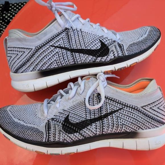 pretty nice 9786d fd72b Nike Free TR 5 Flyknit Women's Running Shoes, Sz 9