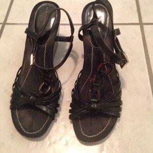 Bandolino black and tortoise detail shoe
