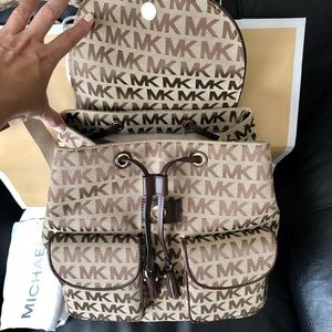 015bb861ffbed Michael Kors Bags - NWT Michael Kors Jet Set MK Logo Flap Backpack