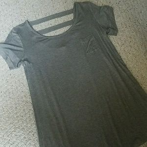 Tops - New gray tee with back detail