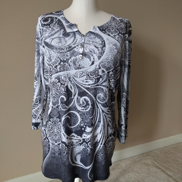 Style & Co Tops - Like NEW gorgeous print top