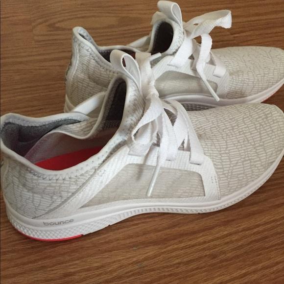 save off 91df2 a9de9 adidas Shoes - Worn 2x Aidas Edge Bounce Lightweight Running Shoe