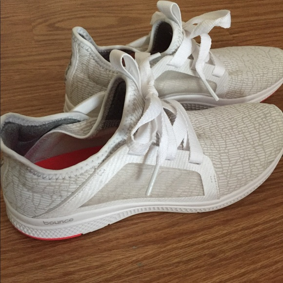 save off 90a45 a0197 adidas Shoes - Worn 2x Aidas Edge Bounce Lightweight Running Shoe