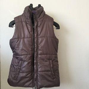 Purple Sleeveless puffer jacket