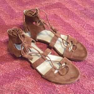 Stuart Weitzman ghillie romanflat laceup sandal 10