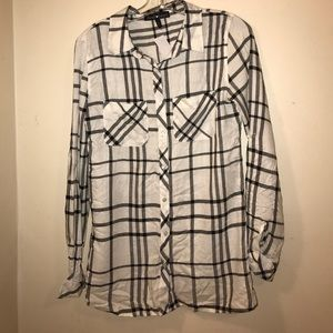 Tops - Black and white flannel