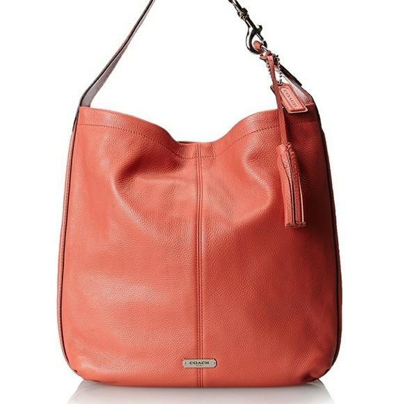 ea77fbb2d64 Coach Bags   Nwt Avery Hobo Shoulder Bag In Sienna   Poshmark