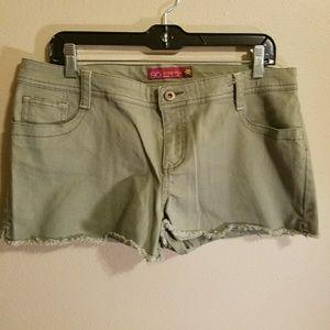LIKE NEW olive green shorts