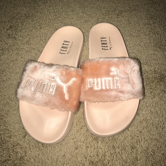 75d6c1de0c80 Baby pink fuzzy tenth puma slides. M 597eb52478b31cd7580ed4e0