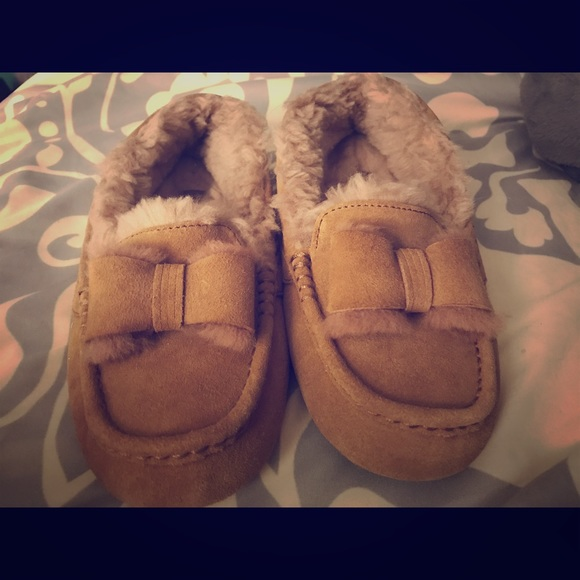 UGG Ansley Twinface bow moccasins